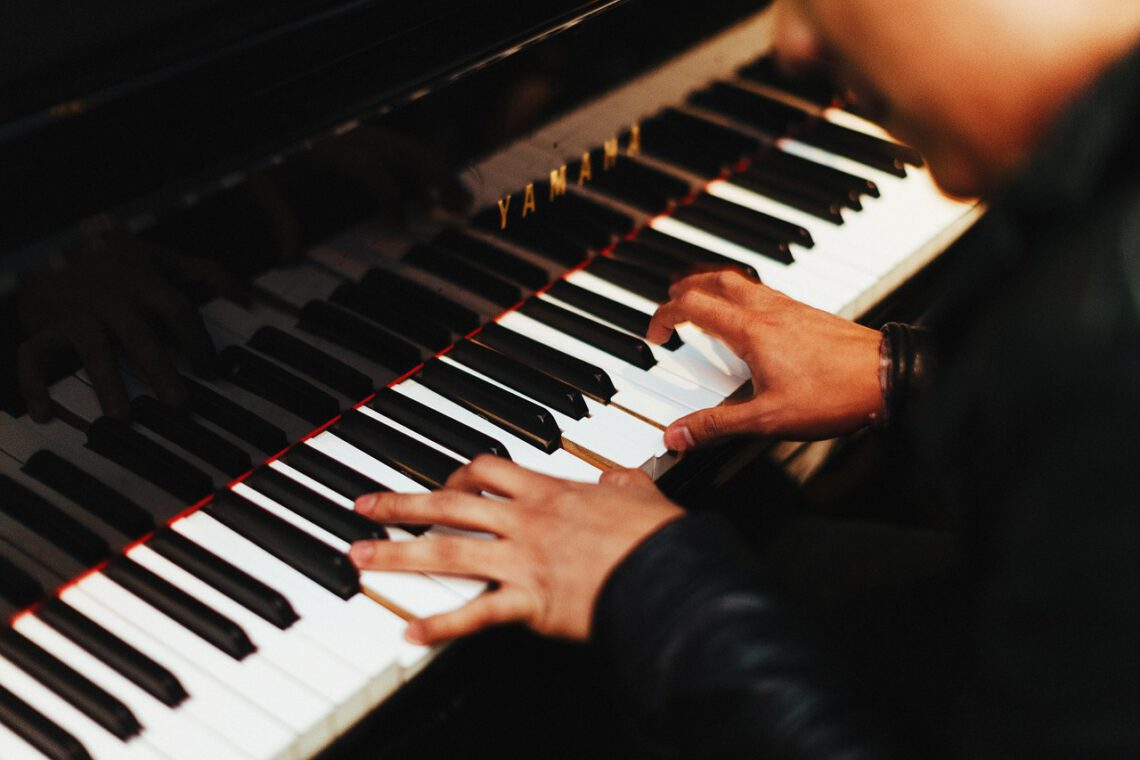 piano leren spelen volwassenen